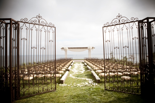 Photo: Wedding on the Bluff