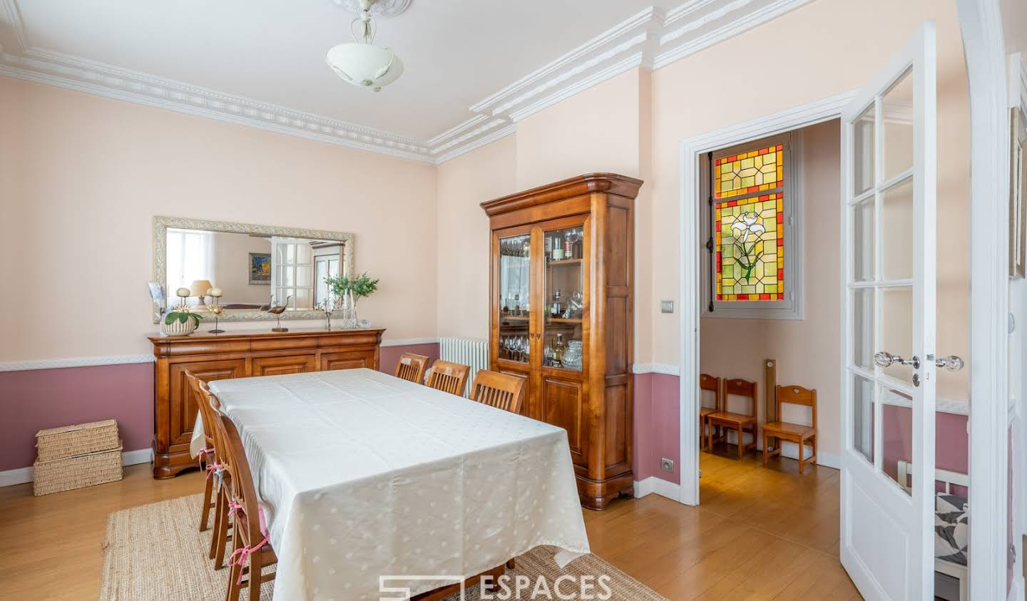 House with terrace Tours
