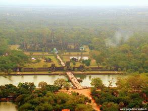 Photo: #014-Survol du site d'Angkor en ballon captif
