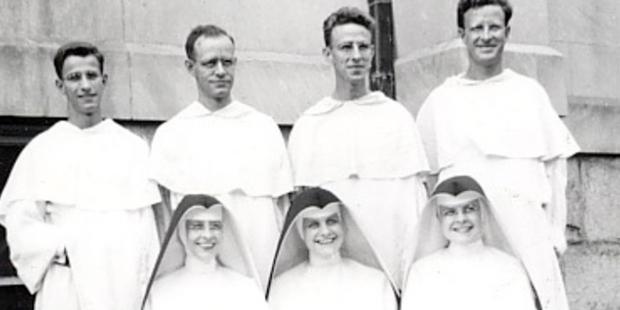 7 trong số 10 người con của một gia đình gia nhập Dòng Đa-minh