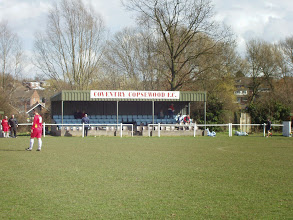 Photo: 01/04/06 v Highgate United (MCFLP) 2-1 - contributed by Barry Neighbour