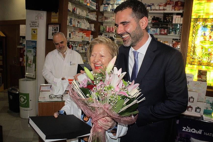 Homenaje a la farmacéutica María Rosa Morales.