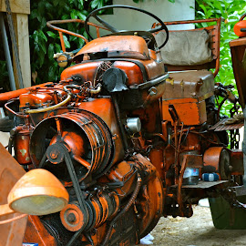 Tracteur Renault N 70 by Serge Ostrogradsky - Artistic Objects Industrial Objects