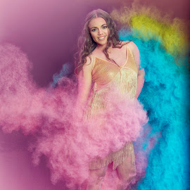 Powder by Chris O'Brien - People Portraits of Women ( studio, colour, woman, beautyful, model, powder )