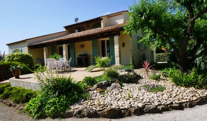 Villa avec piscine et terrasse Sainte-Anastasie