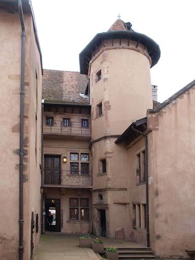 cour intérieur de l'hôtel de ville de Rambervillers