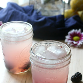 Blackberry Vodka Lemonade Fizz