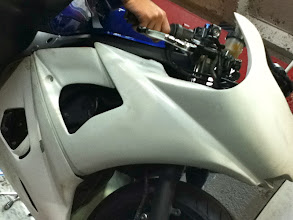Photo: Top and mid fairing fitting