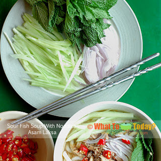 SOUR FISH SOUP WITH NOODLES / ASAM LAKSA