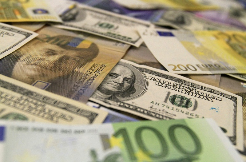 Rand stable below R14/$ as greenback wobbles on dovish Fed