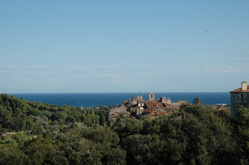 France-Biot.jpg - Visit Biot, a hillside village north of Cannes, France.