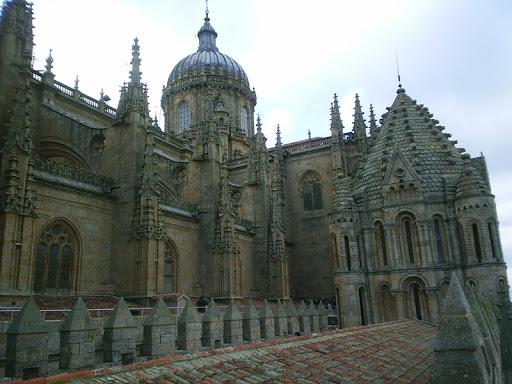 Misteriosa figura scolpita nell' Antico Templio di Salamanca, in Spagna 1