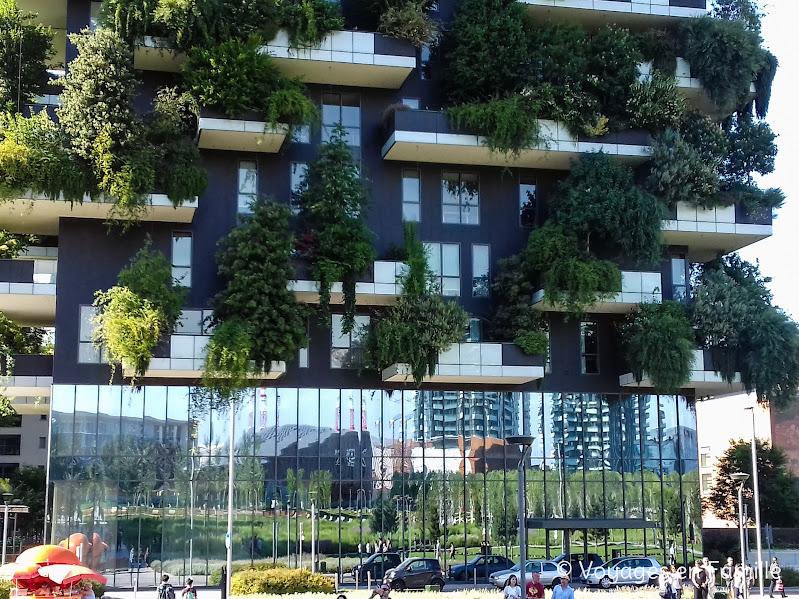 Milan Piazza Gae Aulenti - Bosco Verticale