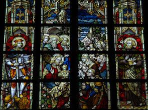 """Photo: Jésus enseignant """"Laissez venir à moi les petits enfants"""" (chapelle Sainte-Aye)"""
