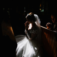Wedding photographer Oleg Oparanyuk (Oparanyuk). Photo of 23.03.2018
