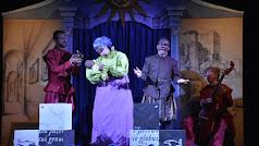 Momento de la representación teatral de 'La increíble historia de Juan Latino'
