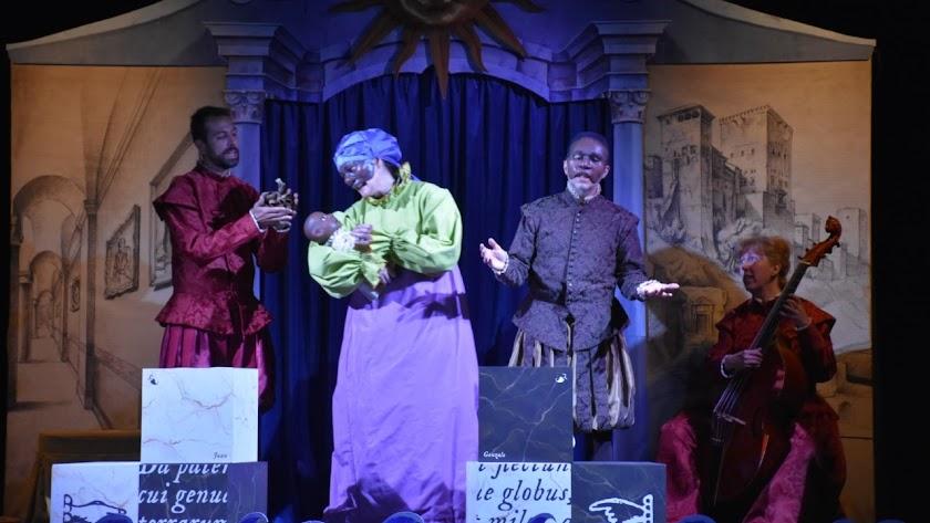 Momento de la representación teatral de \'La increíble historia de Juan Latino\'