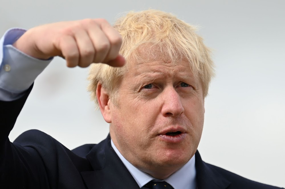 Boris Johnson ontken dat hy vir die koningin lieg as regsake opduik