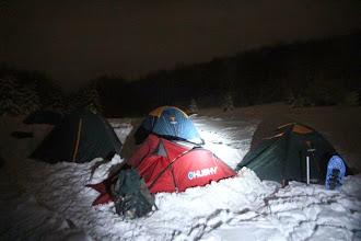 Photo: Hore som sa potrápil viac než dve hodiny, už len pridávam svoj stan do zimného mestečka