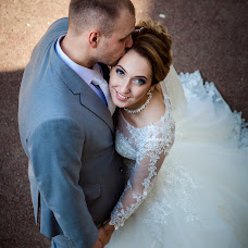 Wedding photographer Viktoriya Smelkova (FotoFairy). Photo of 27.12.2017