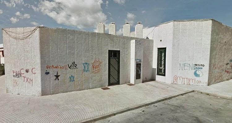Podemos e IU denuncian el cierre de las bibliotecas municipales de La Granja y el Saladillo por falta de personal