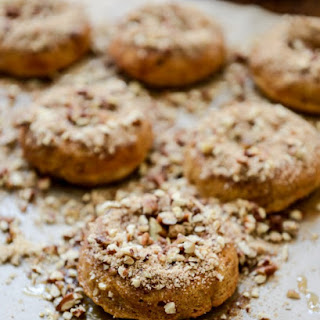 Sweet Potato Pecan Pie Doughnuts with Roasted Pecan Crunch