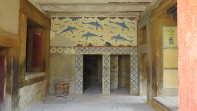 Photo: Famous dolphin fresco replica. There actually wasn't much left of the original--seeing the original chunks makes you wonder if the reconstructions really got everything right.