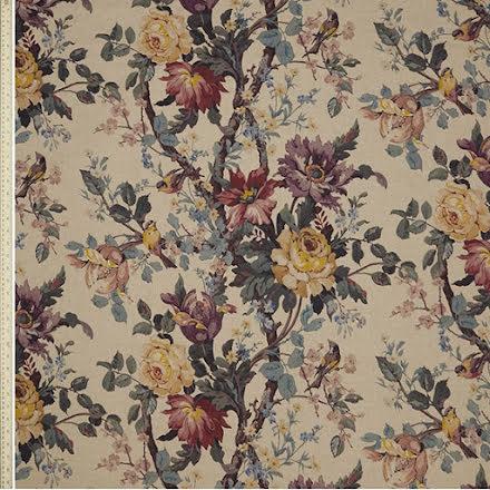 Lady Kristina Rose i Ladbroke Linen från Liberty Fabrics Interiors