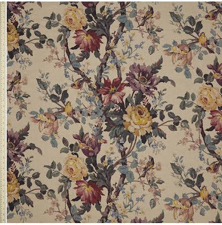 Lady Kristina Rose i Ladbroke Linen från Liberty Interior Fabrics