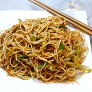 Cold Asian Tomato Noodles.