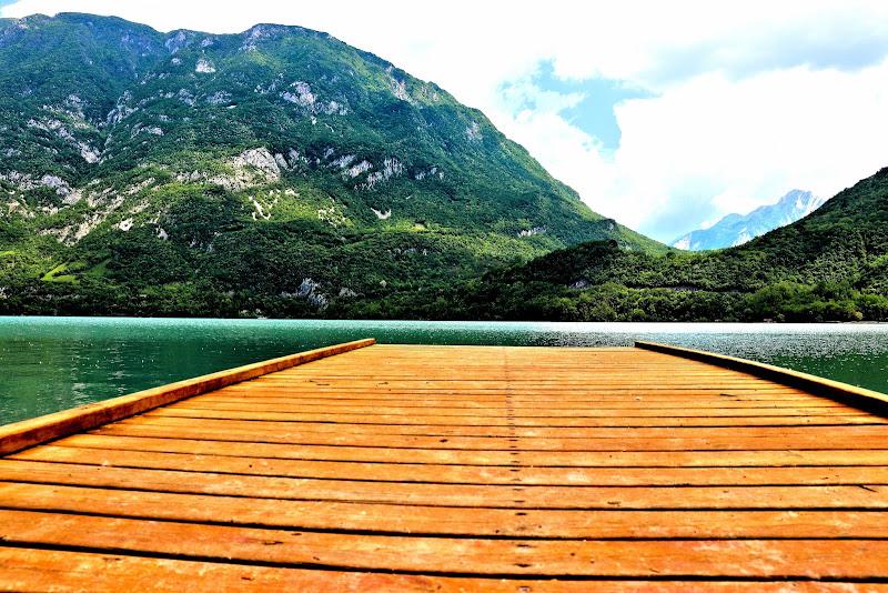 Molo sul lago di Cavazzo di Lisa_Chiarelli