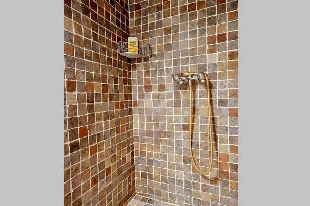 Luxury en-suite bathroom at 3 bedroom Serviced Apartment Victor Hugo