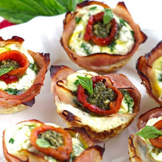 Mediterranean Ham And Egg Cups {Low Carb, Low Fat, High Protein, Low Calorie & GF}.
