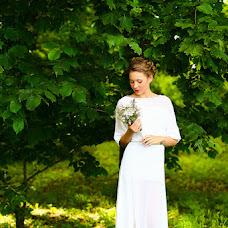 Wedding photographer Lyubov Vyatina (LyubovVyatina). Photo of 08.07.2014