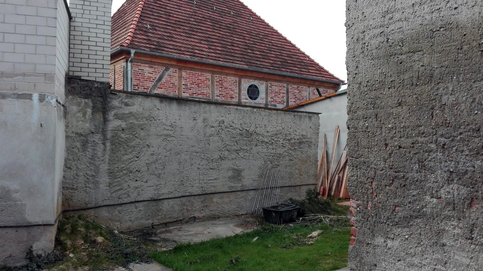 04.04. Hofseite zur Synagoge a.jpg
