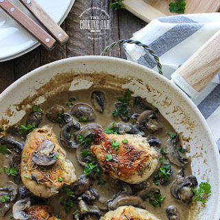 Chicken Breasts in Creamy Mushroom Sauce