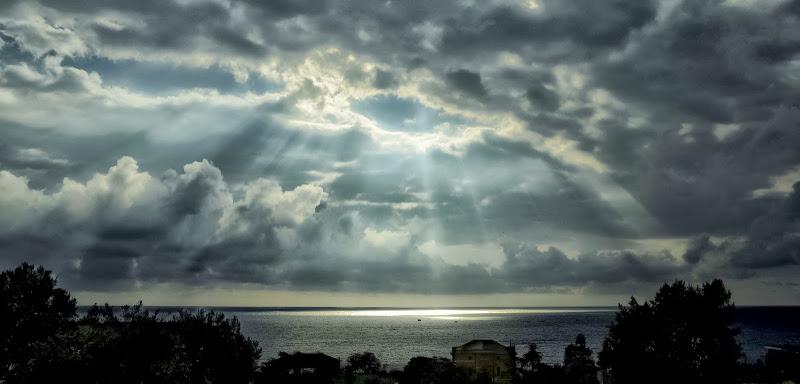 Eye in the Sky di mt antona
