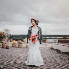 Wedding photographer Uriel Mateos (UrielMateos). Photo of 25.10.2016