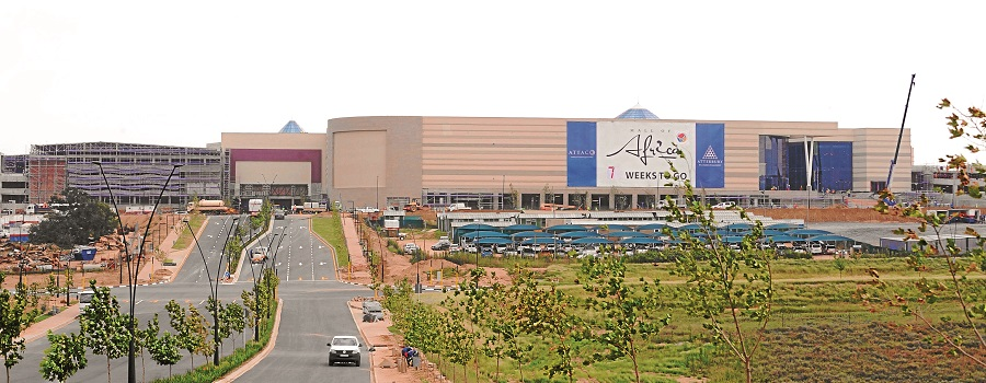 Search on for guard accused of walking out of Mall of Africa with R4m cash in a shopping trolley - TimesLIVE