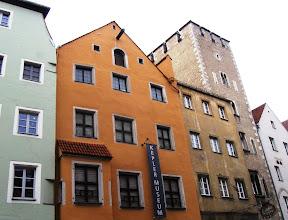 Photo: Kolorit města dělají vždy domy