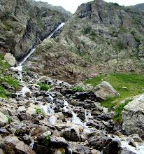 Photo: Entre aguas y rocas.