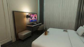 Small Grand Hotel