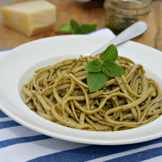 Linguine with Arugula And Basil Pesto Sauce