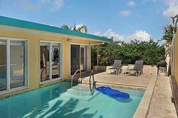 Pavilon and Pools - Villa #120