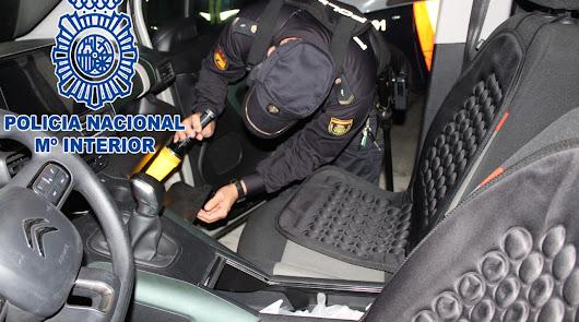 A prisión por robar de un tirón un bolso en el hospital con un coche robado