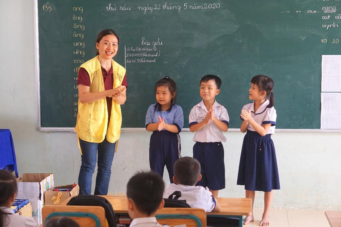 CapitaLand trao tặng bộ chăm sóc sức khỏe phòng chống COVID 19 cho hơn 1,400 em học sinh thuộc 4 trường CapitaLand Hope tại Việt Nam