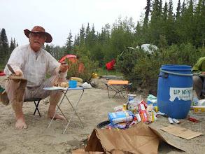 Photo: Erstmal checken was vom Proviant in der undichten Packluke nass geworden ist.