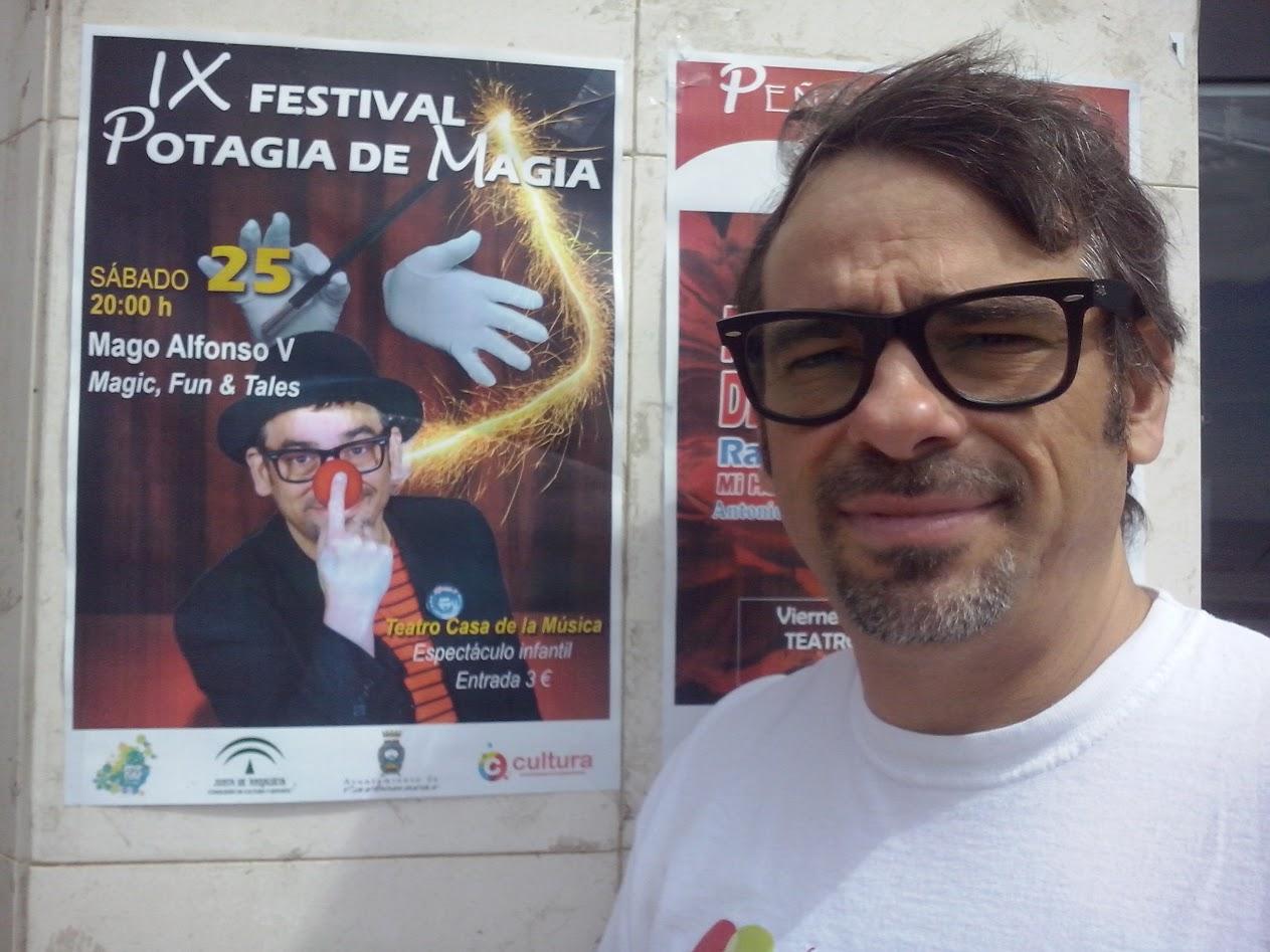 Alfonso V, con cartel show de magia y cuentos