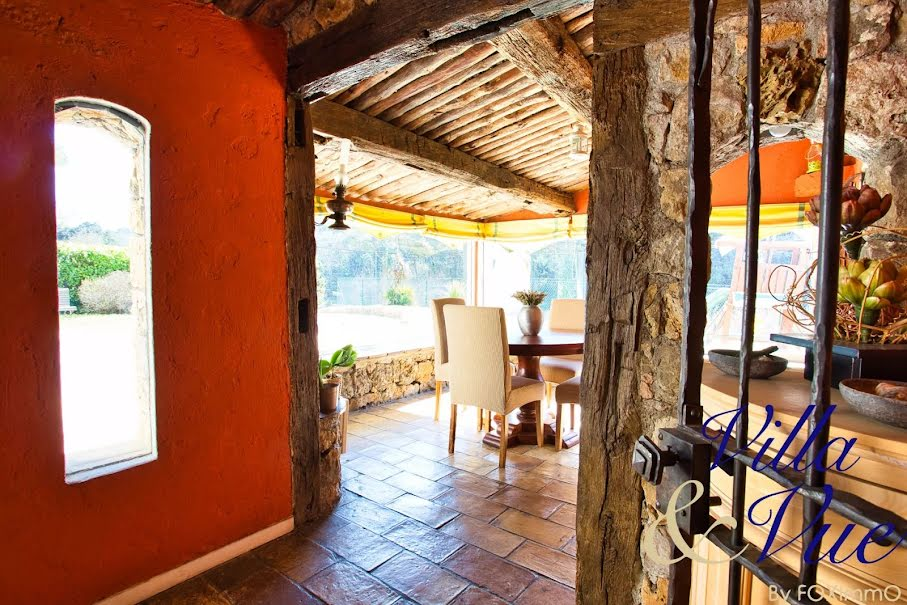 Vente locaux professionnels 11 pièces 375 m² à Châteauneuf-Grasse (06740), 1 295 000 €