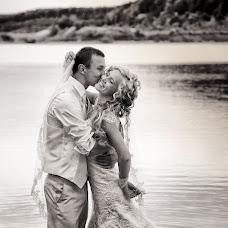 Wedding photographer Aleksandr Kostosyak (saniol). Photo of 17.09.2013